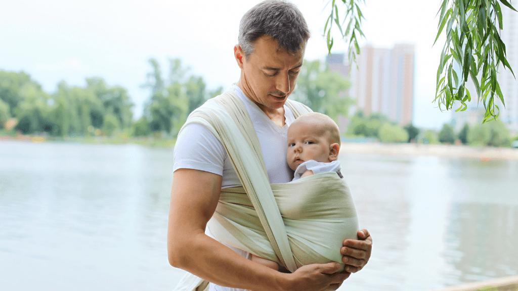 Le portage de bébé, une pratique sécurisante et bienfaisante !
